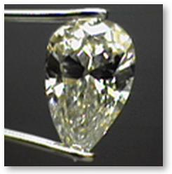 Pear Shaped Diamond Bow-Tie Effect
