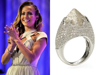 Rough Diamond Engagement Ring of Jennifer Lopez