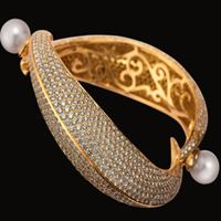 Diamond Kada Pearl Bangle